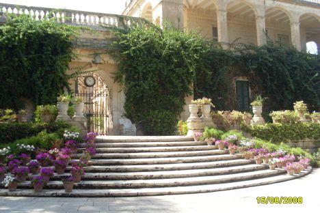 San Anton Palace / San Anton Garden