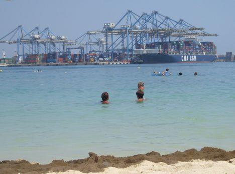 """Pretty Bay. Strand mit """"Aussicht""""."""