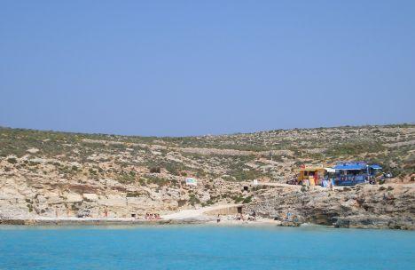 Felsplateau an der Blauen Lagune.