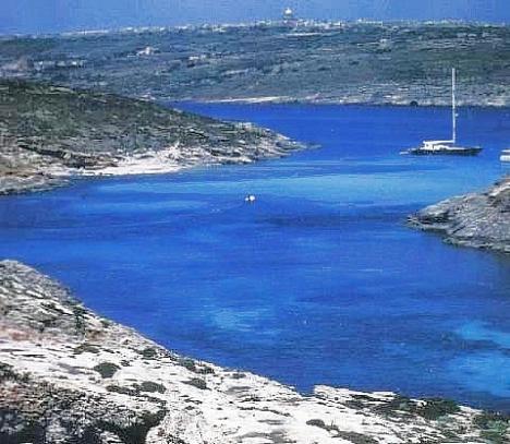 Blaue Lagune, Comino