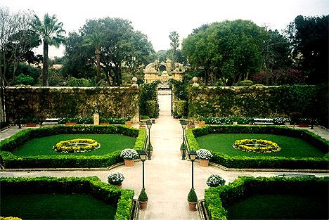 Palazzo Parisio, Garten